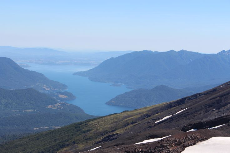 Vista del Lago Panguipulli. Reserva Nacional Mocho Choshuenco.