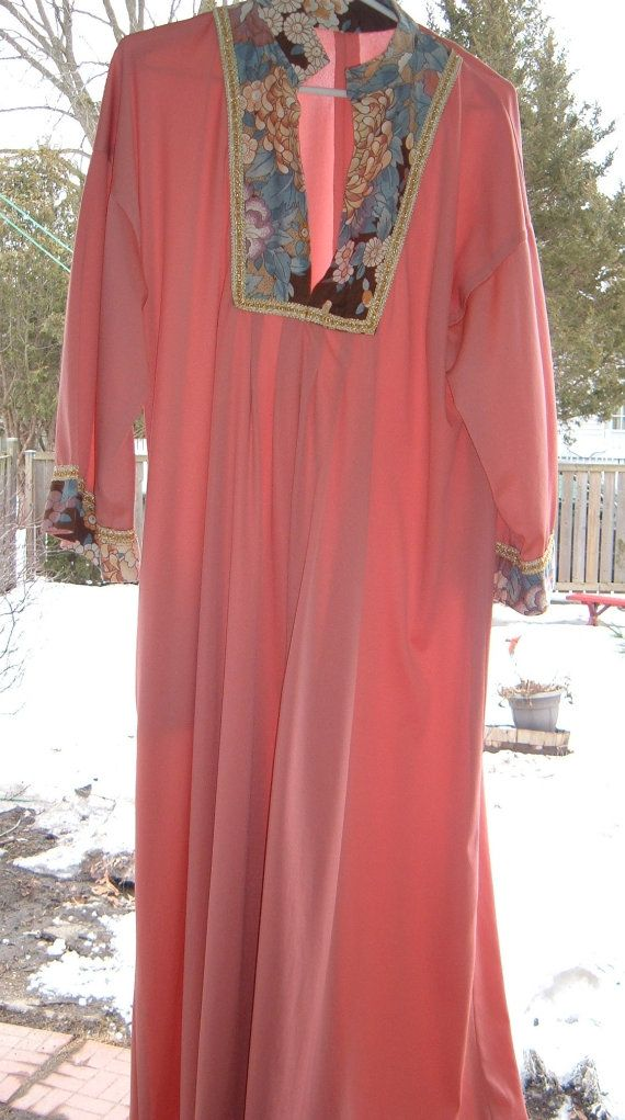 Retro Women's 70's housedress  70's fashions  by NewtoUVintage, $14.99