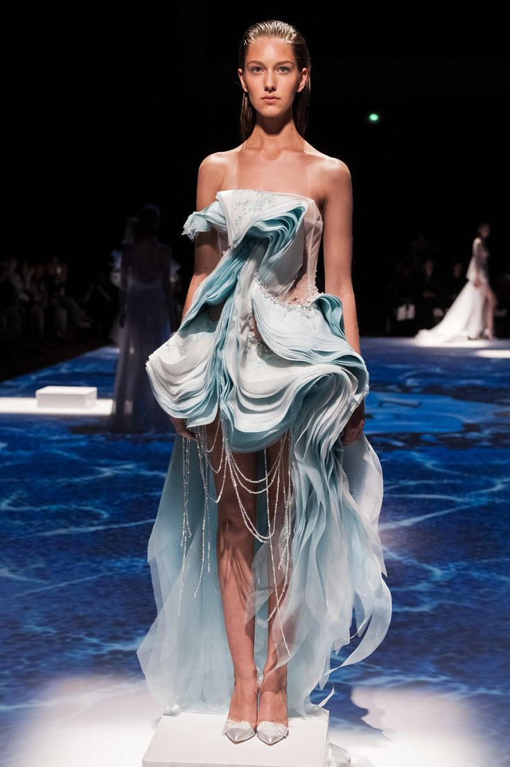 Lan YU Haute Couture Fall/Winter 2014-2015 via StyleList