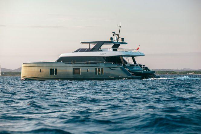 On Board Tennis Superstar Rafael Nadal S New Luxury Catamaran Yacht Great White In 2020 Catamaran Yacht Sunreef Yachts Catamaran