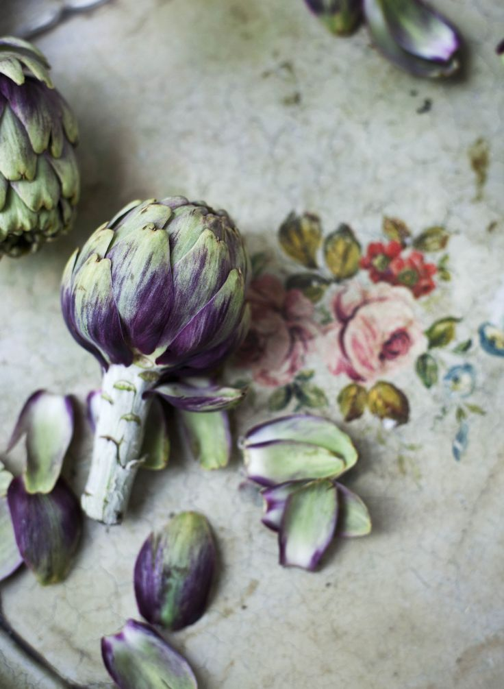 Cottage Charm ~ Purple and Green  ~ artichoke love!