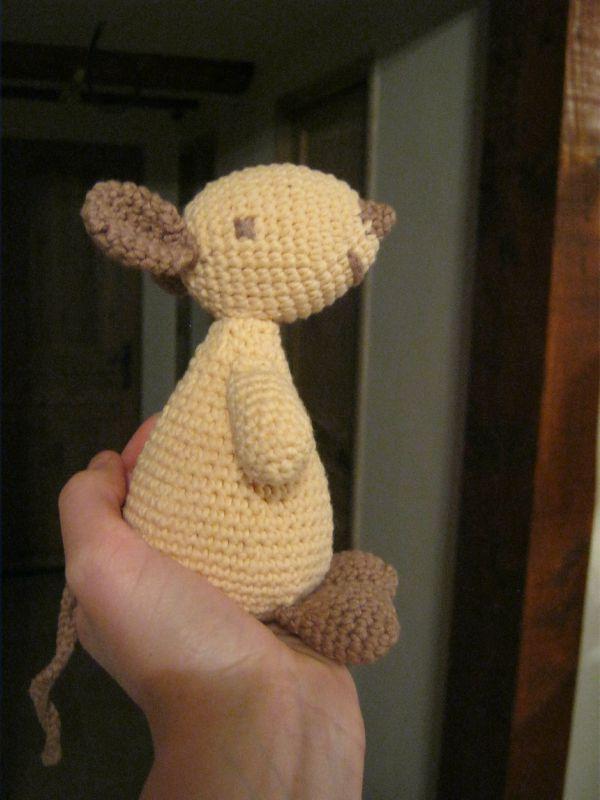 OLGA LA SOURIS, modèle gratuit au crochet (français et english)