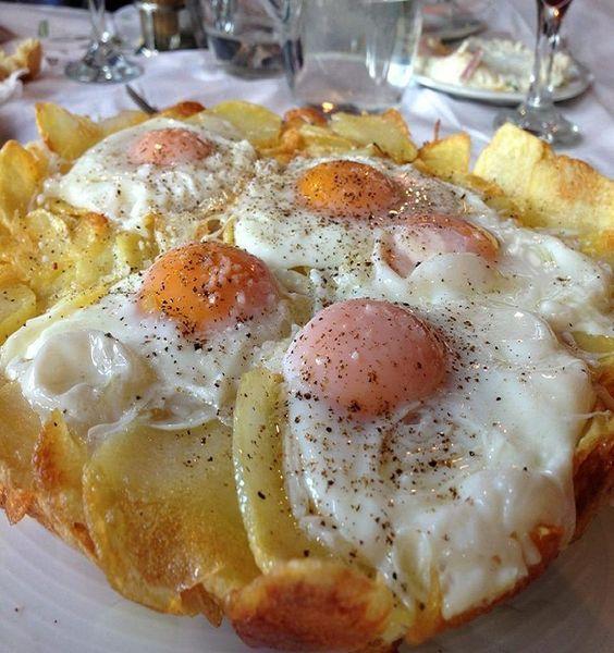 Πατάτες με αυγά από την Αγόριανη #GreekFoodRecipes