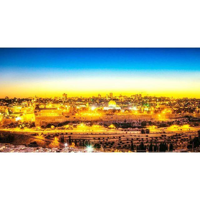 teamjuif's photo: Shabbat Shalom From #Jerusalem  #JerusalemOfTheDay #JerusalemCity #JerusalemPhotoOftheDay #HolyLand #WesternWall #Kotel #Israel #Israeli #IsraelInstagram #Israel_Times #IsraelOfTheDay #IsraeliGram  #ישראל #ישראלי #ישראלים #ירושלים #כותל # #שבת #שבתשלום #שבת_שלום