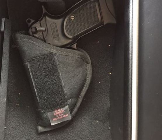Florida mother discovers loaded gun in loaner car from Mercedes dealership