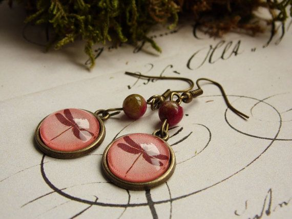 Powder red dragonfly earring, bronze earring, dangle earring, glass jewelry, glass dome earring, pastel, autumn, forest,