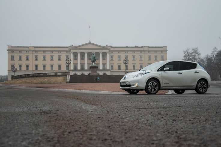 Noren zijn dol op elektrisch rijden, mede door omvangrijke de subsidieregeling. Maar het grote aantal elektrische auto's op de weg heeft verkeersproblemen tot gevolg: http://www.z24.nl/geld/de-noorse-liefde-voor-elektrisch-rijden-leidt-tot-overvolle-busbanen-492317