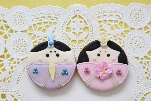 Hina-doll Festival cookie The Hina-Doll Festival is held on the 3rd of March.Hina dolls are exhibited and Japanese people wish for the health and happiness of girls during this traditional Japanese festival.