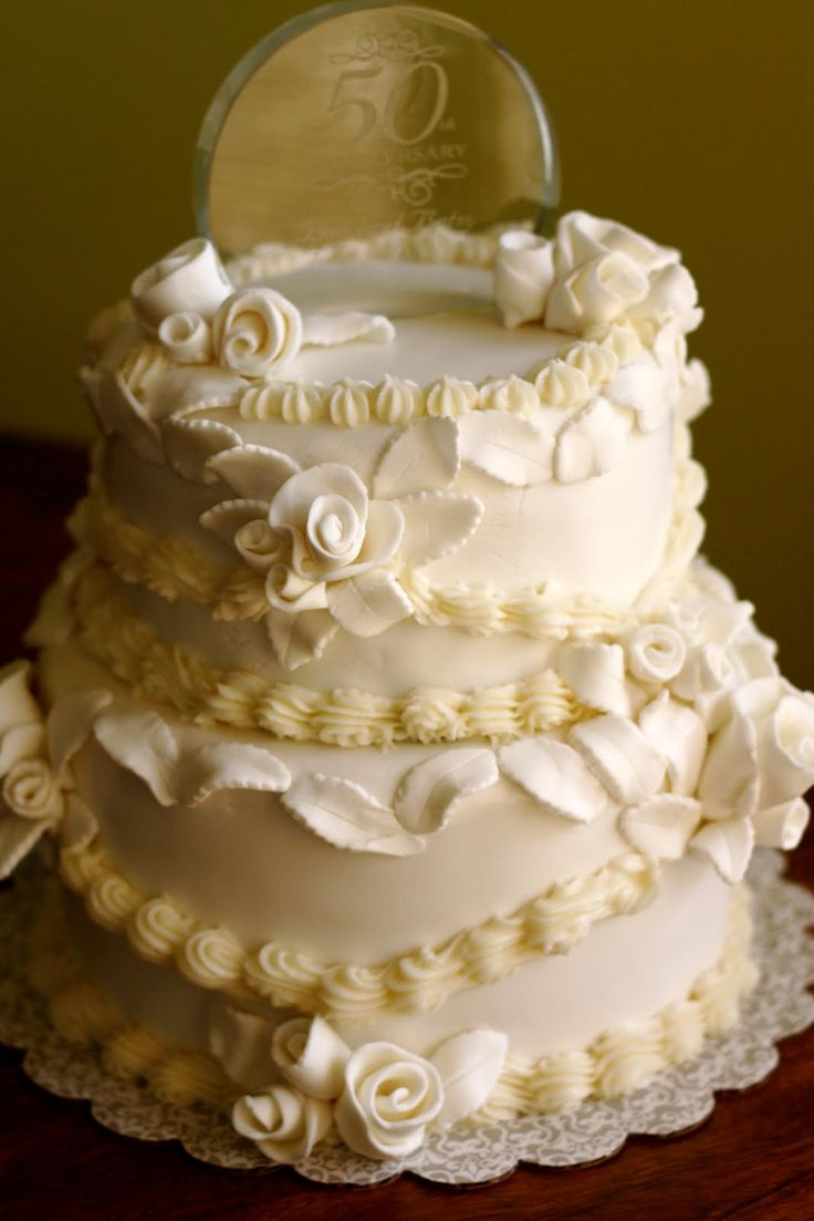 wedding cake on anniversary best 25 wedding anniversary cakes ideas on 23337
