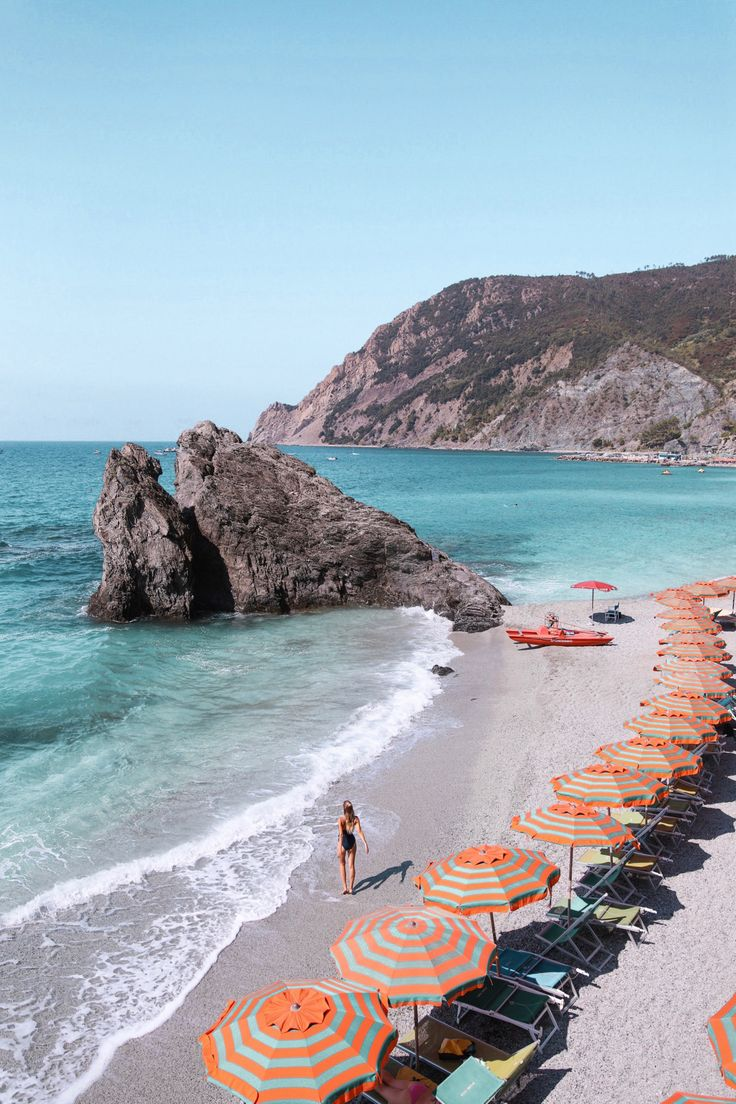 The ultimate Cinque Terre, Italy travel guide: https://ohhcouture.com/2017/08/cinque-terre-travelguide/ <3 #ohhcouture #leoniehanne #italy