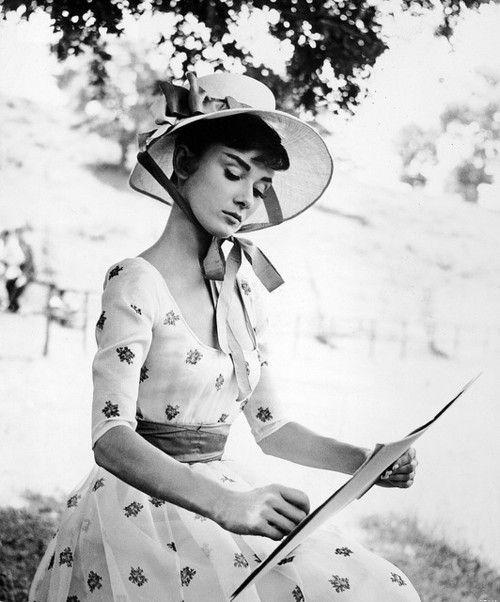 Audrey Dear. I love that dress: Fashion, Style, Vintage, Audrey Hepburn, Beautiful, Audreyhepburn, Photo, People, Classic