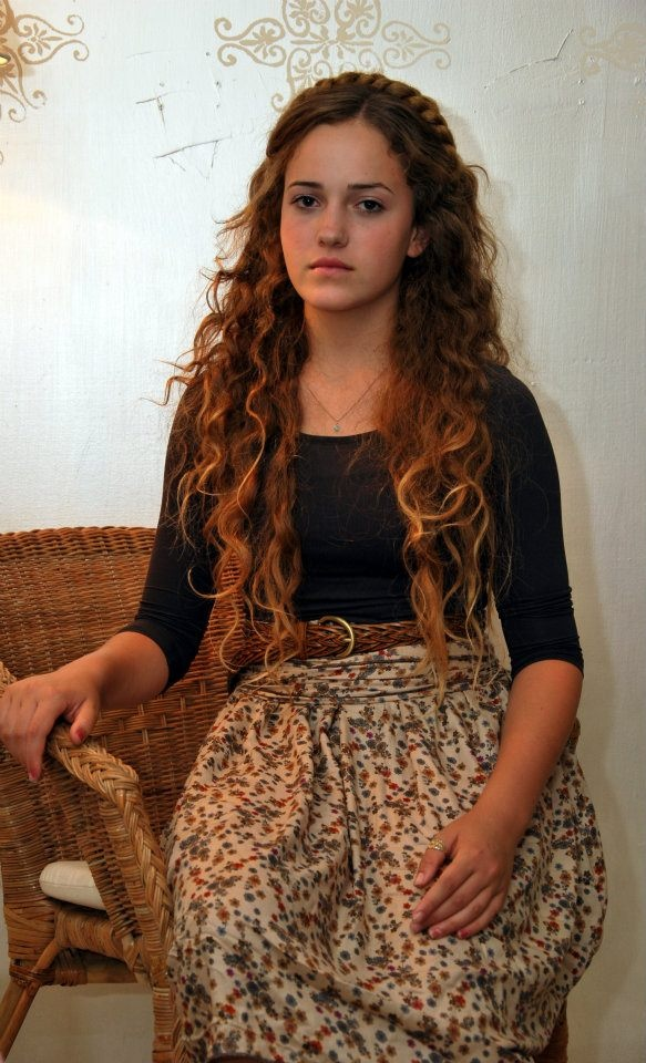 .curly hair