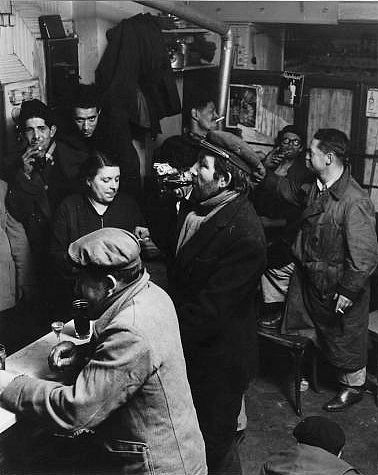 Robert Doisneau // Un bistrot, vers 1950.