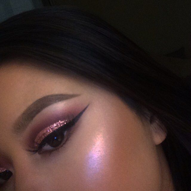 Pink highlight.