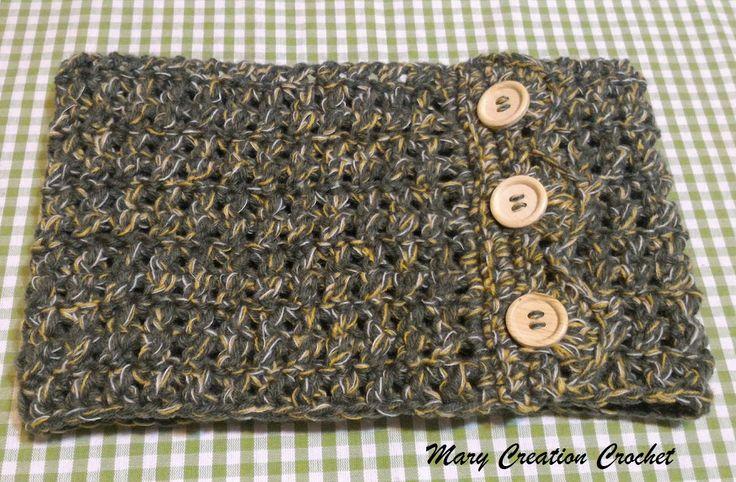 Scaldacollo all'uncinetto in lana verde-giallo-bianco con bottoni in legno di MaryCreationCrochet su Etsy