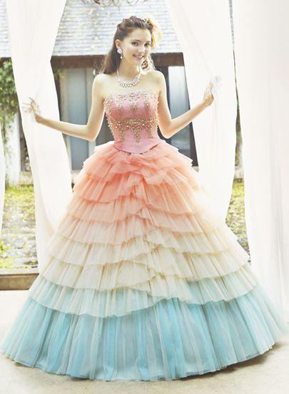マーメイドみたいなグラデーションチュチュ♡ ウェディングドレスからのお色直しで着たいマルチカラーのカラードレスまとめ☆