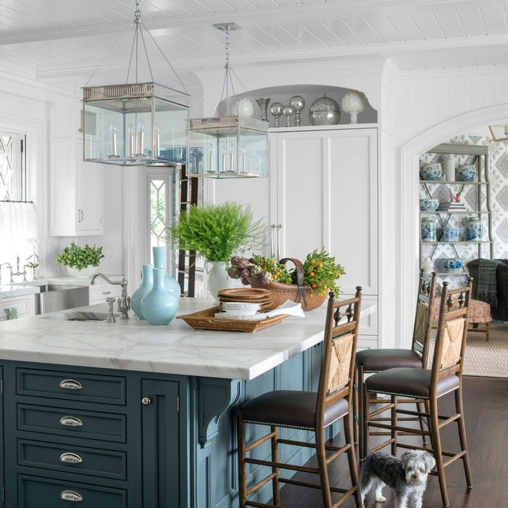 Expressive kitchen lighting ideas for your best meal | modern steel as a metal choice for kitchen decorating ideas @thorntondesigns | More at http://homeinspirationideas.net/room-inspiration-ideas/expressive-kitchen-lighting-ideas-best-meal