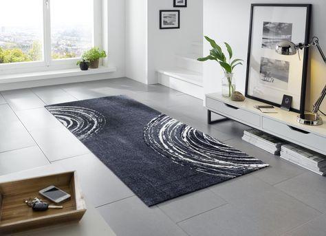 Gegen Kalte Fsse Auf Fliesen Im Wohnzimmer Hilft Ein Geschmackvoller Teppich Wohnidee