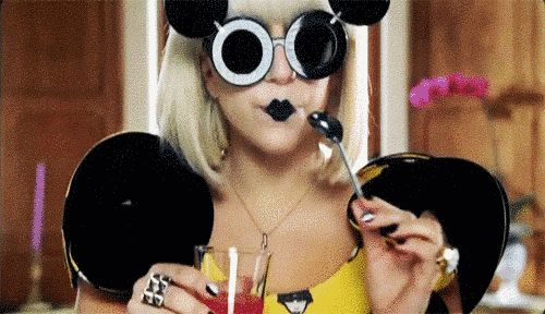 """…like """"Paparazzi""""…   29 Lady Gaga Moments That Made You Go """"Yaaass Gaga Yaaass!"""""""