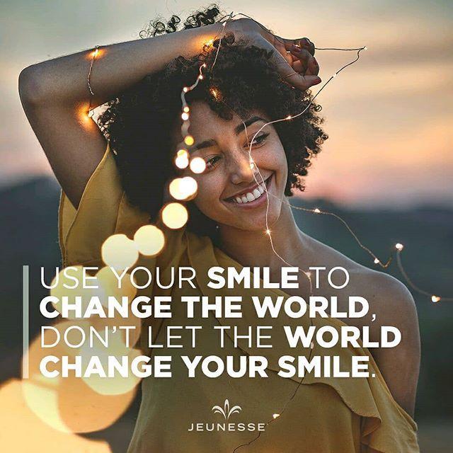 Senyummu mampu mengubah dunia Jangan biarkan dunia mengubah senyummu