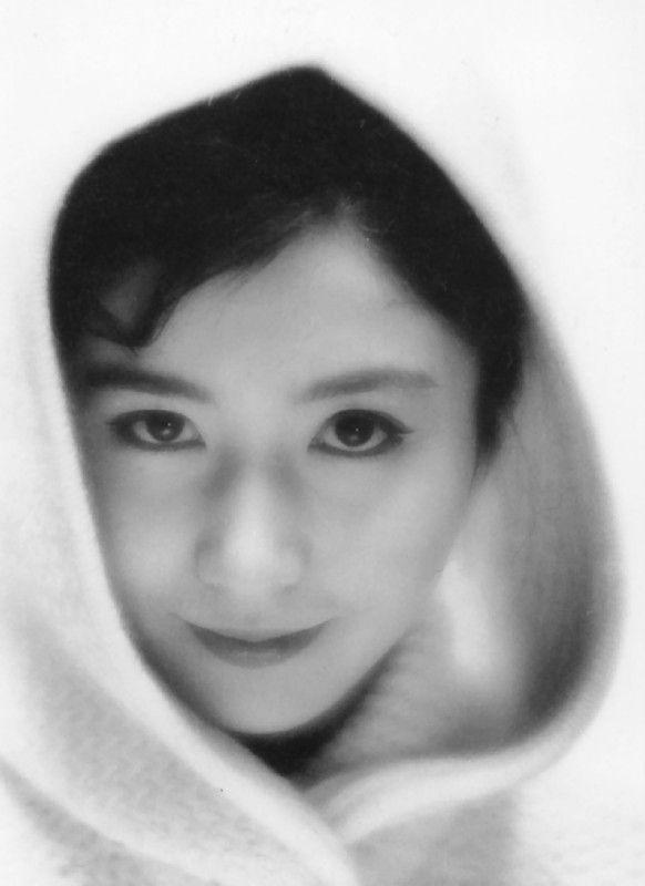 Shima Iwashita (1941 - )