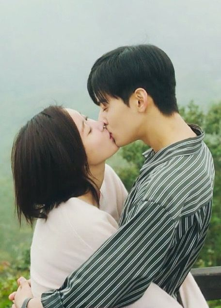 Cute Couple Kisses Wallpaper Pin By L On Kd In 2019 Kdrama Cha Eun Woo Astro Cha
