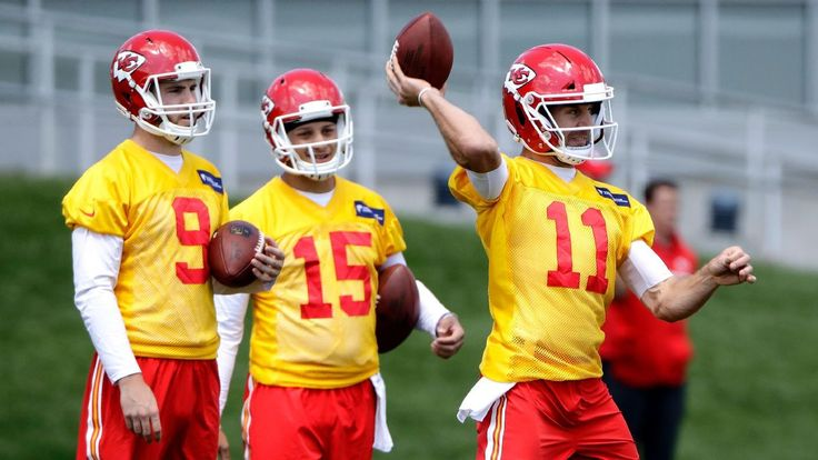 QB Patrick Mahomes II says he's not far away from being game-ready #FansnStars
