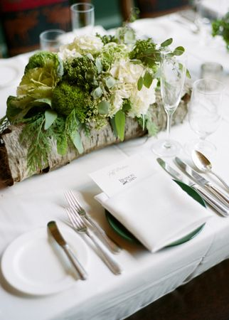 #wedding #wood #centerpieces Photo: James Christianson / Featured: The Knot Blog