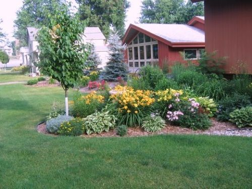 Perennial garden outdoors landscape pinterest for Small perennial garden layout
