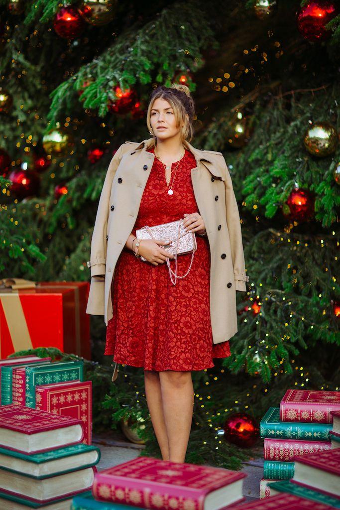 Na, habt ihr schon alle Weihnachtsgeschenke? Oder das perfekte Silvester-Dress? Ich habe mich vor zwei Wochen noch mal im Designer Outlet Roermond umgesehen und ein paar festliche Looks zusammengestellt. Momentan läuft sogar gerade der Winter-Sale, das heißt, es gibt auf die regulären Outlet-Preise nochmal Rabatt! Hier könnt ihr euch über die Aktionen und teilnehmenden Stores …