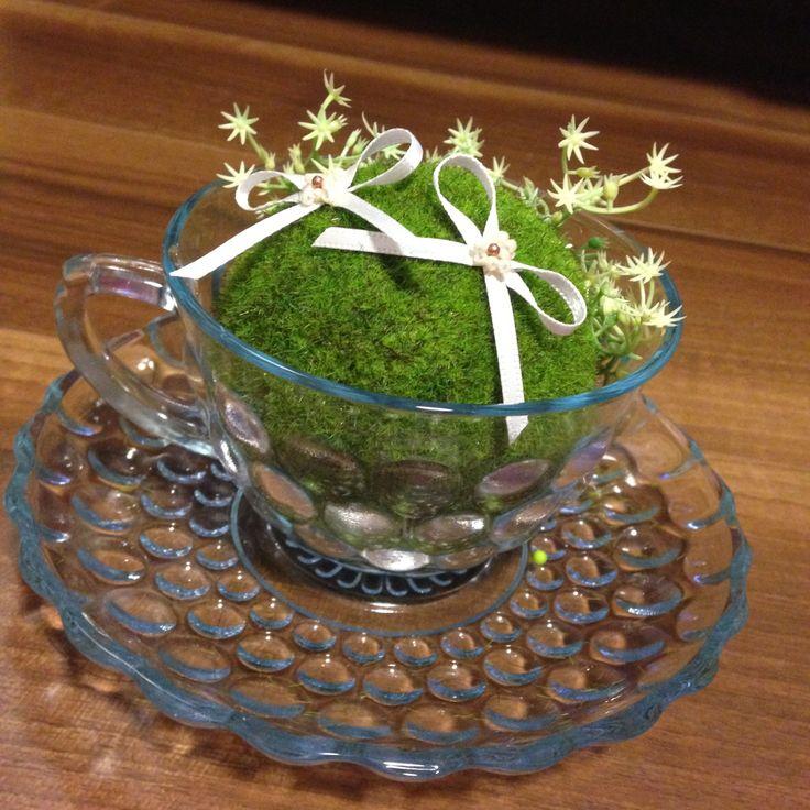 ティーカップ x 4(+2客可能) (ゲストテーブル 洋書の上 x 1, 高砂 x 1, リングピロー x 1, スイーツビュッフェのお菓子入れ x 1) 直径最大12cm 高さ6cm