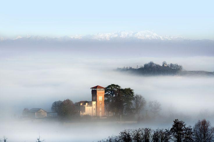 A #castle in the #clouds. A #fairytale world is waiting for you in #Monferrato. Monferrato: discover it.  Un #castello tra le #nuvole. Un #mondo da #fiaba ti aspetta, nel #Monferrato. Il Monferrato: un luogo da scoprire.