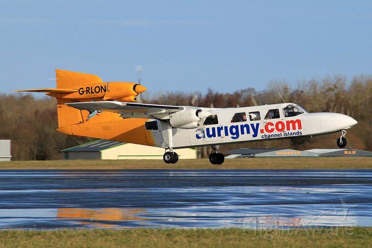 Photo of G-RLON ✈ FlightAware