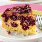 UPSIDE DOWN BLUEBERRY CAKE: Blueberries and brown sugar make a lovely and sweet topping  #blueberry #cake