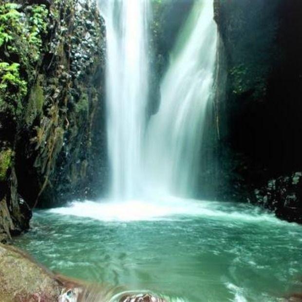 متعة السياحة في اندونيسيا Waterfall Outdoor Water