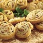 Pesto & Parmesan Pinwheels A simple easy party canape serve warm or cold!