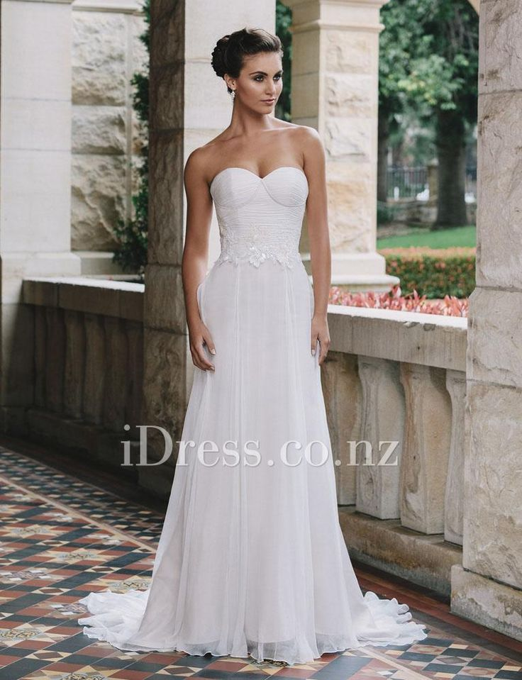 strapless sweetheart ivory chiffon vintage a-line wedding dress applique accent