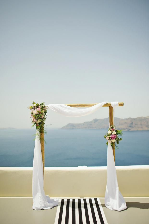Ceremony arch| Stylish elopement in Greece | Tie the knot in Santorini