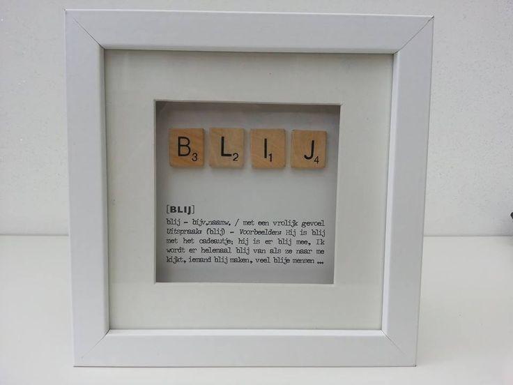 Houten lijstje driedimensionaal waarin tekst en houten letters zijn verwerkt.   Tip: combineer met meerdere versies!   Afm. 18 x 18 x 3 cm in wit € 8,00.  www.facebook.com/stoeruhzaken.nl