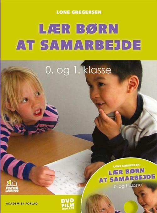 'Lær børn at samarbejde - 0. og 1. klasse' giver lærere, pædagoger og studerende konkret vejledning i, hvordan børn kan lære den svære kunst at være i en klasse og samarbejde i en undervisningssituation. Bogen indeholder en dvd med autentiske situationer fra en 0. klasse, hvor læreren benytter metoden. Bogen tager konkret fat, men den er baseret på grundige undersøgelser og forskningsresultater.