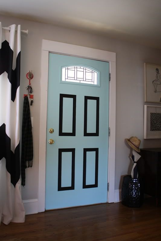 paint the inside of your door for a big bang for your buck! #pantone #mycolor #Paint