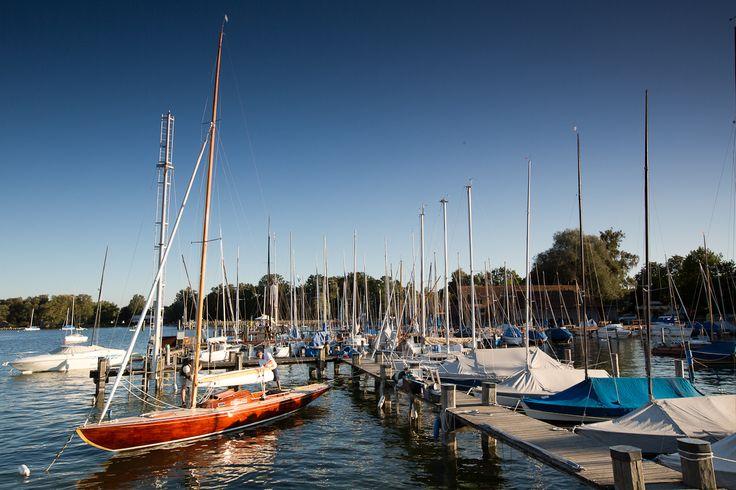 Segelboote an der Marina von Dießen am Ammersee