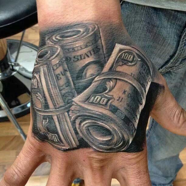 101 Disenos De Tatuajes En La Mano Para Hombres Tatuajes En La Mano Tatuaje De La Mano Tatuaje Con Motivo De Dinero
