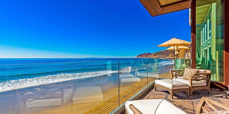 Σπίτια με ακαταμάχητη γοητεία που θα συναντήσει κανείς στις ακτές της Καλιφόρνια. Εξοχικά σπίτια δίπλα στη θάλασσα...