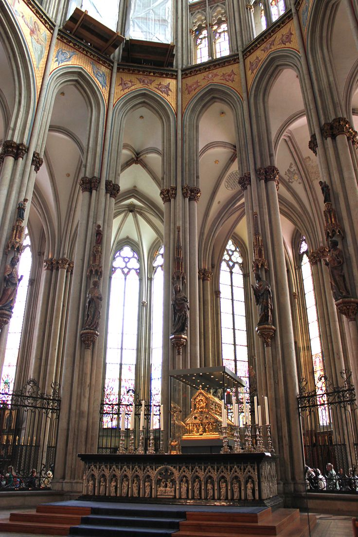 Kölner Dom - amazing Cathedral in Cologne. Too much to handle for a regular camera's eye.