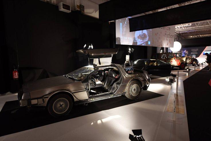 """L'exposition du Mondial de l'Automobile à ne pas manquer : """"Moteur ! L'automobile fait son cinéma"""".  DeLorean DMC 12 - Retour vers le futur 2  RDV Hall 8 jusqu'au 16 Octobre !"""