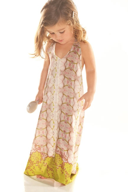 Little Alexis Clothing! I love this line for little girls :) I got this dress for Caley also, she will look beautiful in this on the beach!