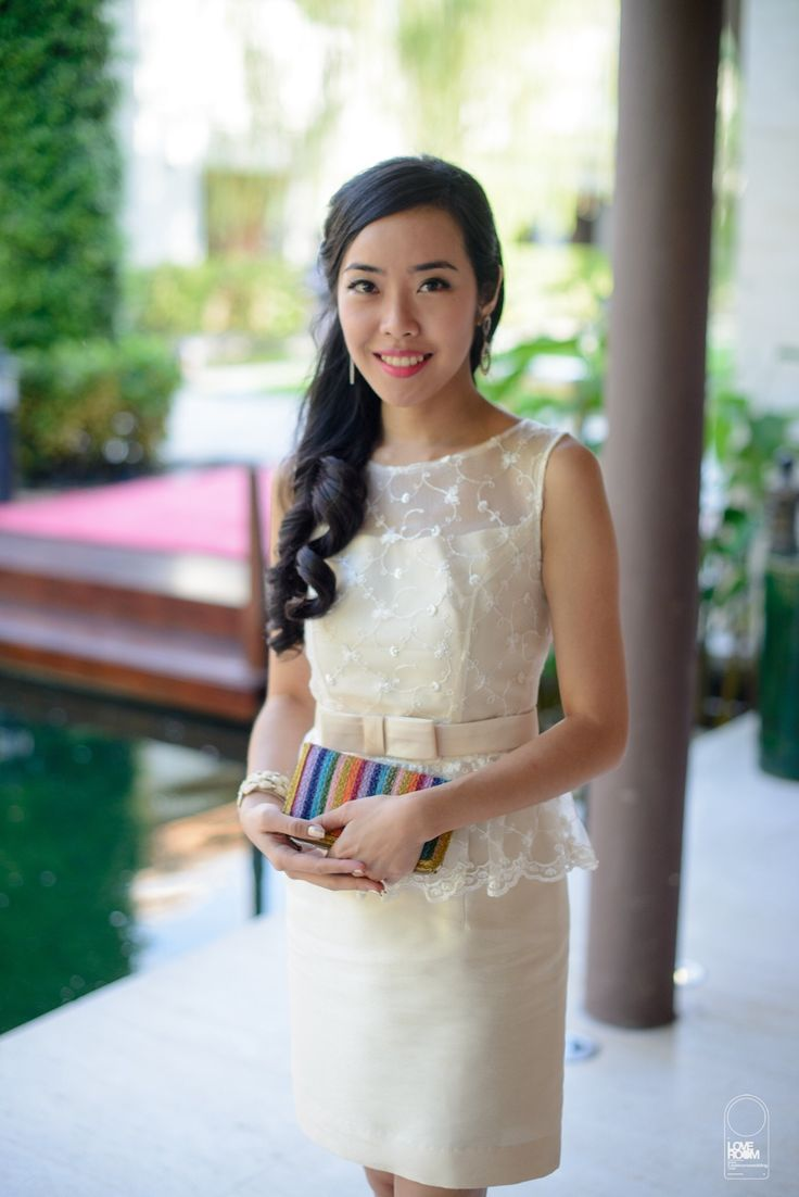 Die besten 10 contemporary bridesmaids dresses ideen auf contemporary bridesmaid dress for thai chinese wedding and thai crafted clutch bangkok ombrellifo Choice Image