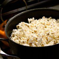 Easy and Delicious Coconut Oil Popcorn