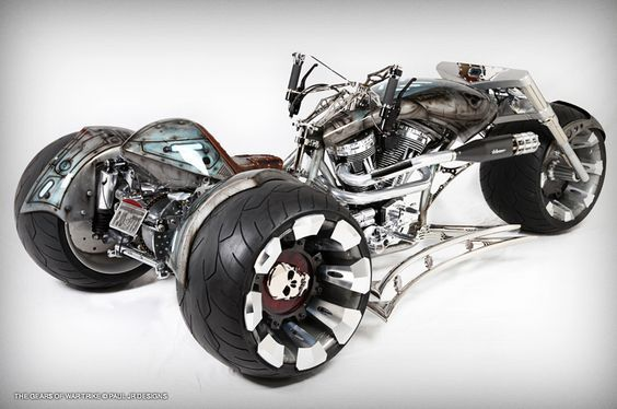Gears of War bike by Paul Jr Designs. Reminds me of a big wheel!